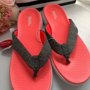 Skechers GoGa Max Womens Sandals 11